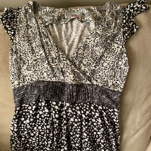 Baraschi black and ivory top